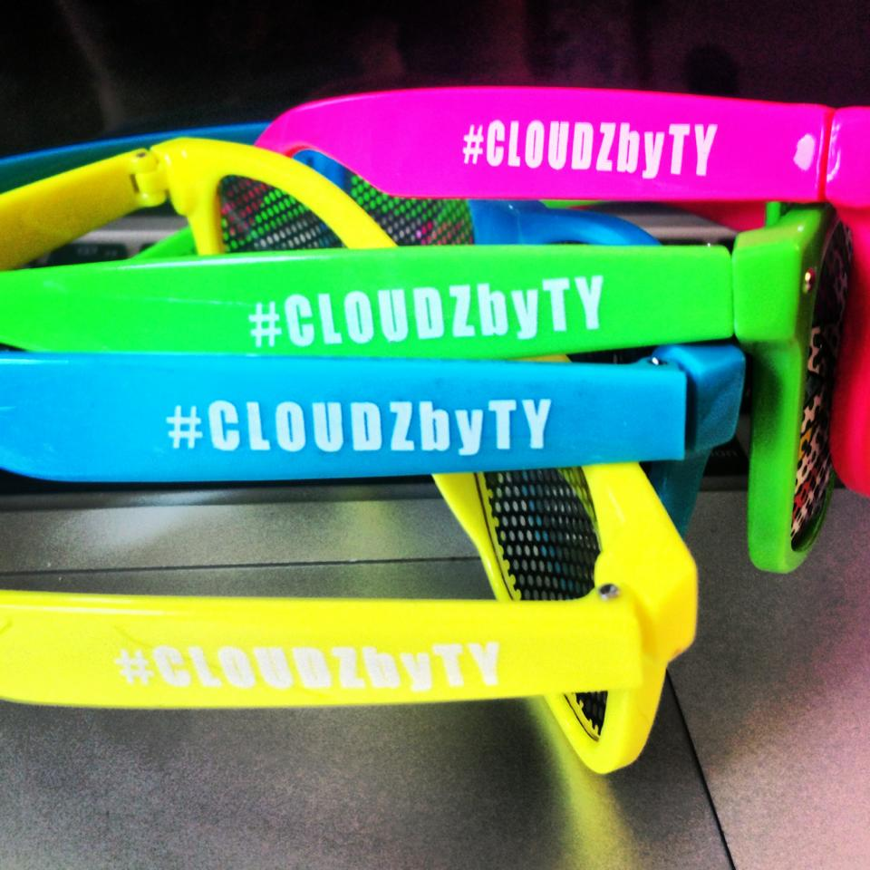CLOUDZbyTy promo side design detial