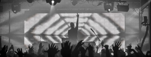 (Recap) Flume Hits Up Grand Central on 4/15